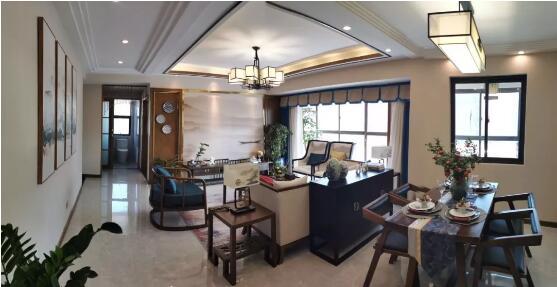 汇通金港A户型 三室两厅建面约135.49㎡
